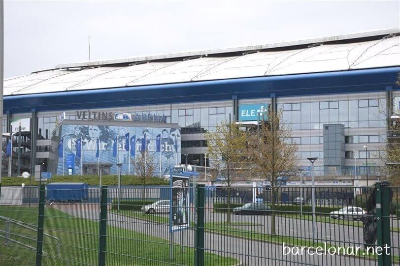 シャルケのホームスタジアム・フェルティンスアレーナ